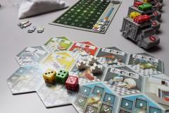 jeudice_alley_cat_games_super_meeple_dice_hospital_2