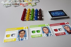 jeudice_alley_cat_games_super_meeple_dice_hospital_3